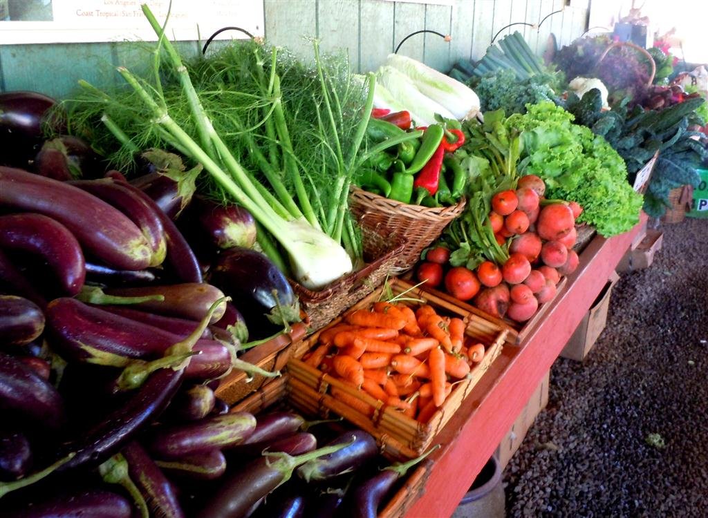 Fresh produce at Kumu Farms&#039; Molokai farm market. Photo by Catherine Cluett