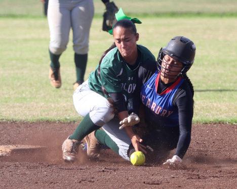 The Maui News / CHRIS SUGIDONO photo Seabury Hall's Hiilei Luuwai collides into Molokai's Camille Ledesma on a steal attempt. Luuwai was safe.